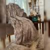 Plaid En Fausse Fourrure Douce Et Luxueuse Avec Doublure En Daim - 150x150cm - NEVADA - Beige Taupe
